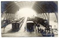 Des trains qui filent… et d'autres qui restent en gare…
