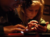 Apprendre aux plus jeunes à devenir des acteurs autonomes et responsables du numérique