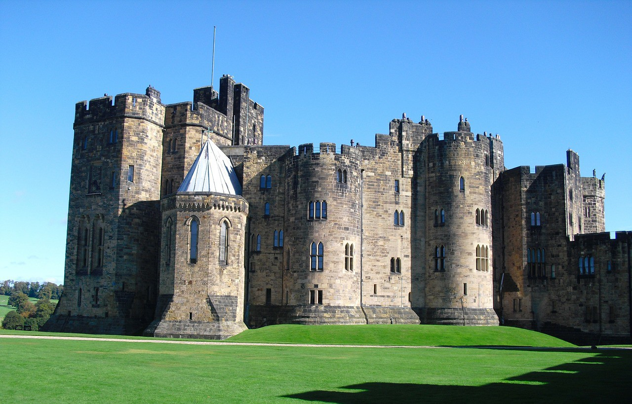 alnwick-castle-92607_1280